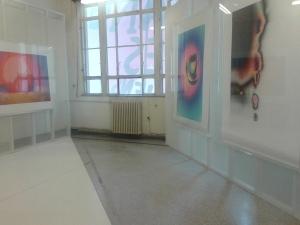3. Στιγμιότυπο από τον εκθεσιακό χώρο με έργα του Michael Mann